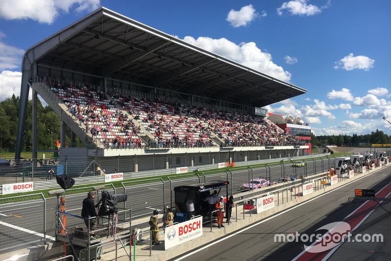 На минувших выходных на автодроме Moscow Raceway в пятый раз прошел этап немецкого чемпионата DTM