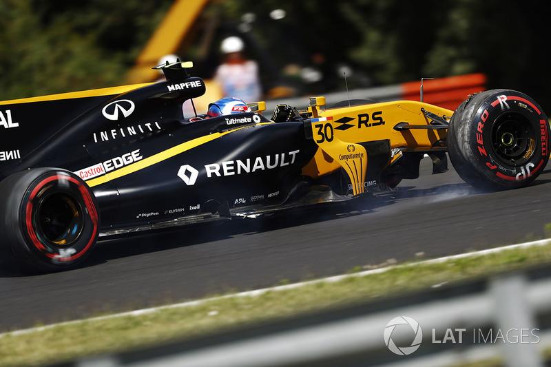 Джоліон Палмер, Renault Sport F1 Team RS17, після наїзду на бордюр