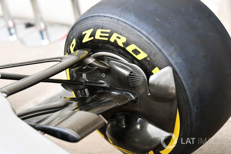 Детали передних тормозов Mercedes F1 W08