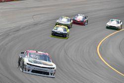 Tyler Reddick, Chip Ganassi Racing Chevrolet, Paul Menard, Richard Childress Racing Chevrolet