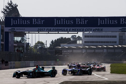 Oliver Turvey, NEXTEV TCR Formula E Team, leads the race at the start