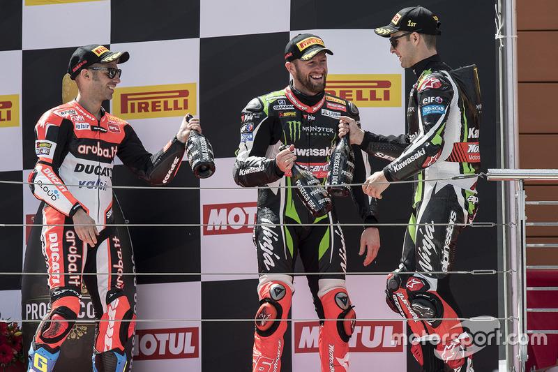 Podium: 1. Jonathan Rea, Kawasaki Racing; 2. Marco Melandri, Ducati Team; 3. Tom Sykes, Kawasaki Racing
