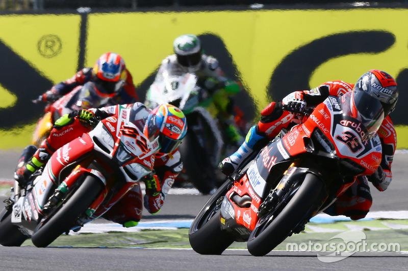 Marco Melandri, Ducati Team, Lorenzo Savadori, Milwaukee Aprilia World Superbike Team