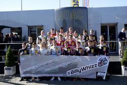 Alle Fahrer in der Saison 2017 mit Billy Monger Spendenaufruf