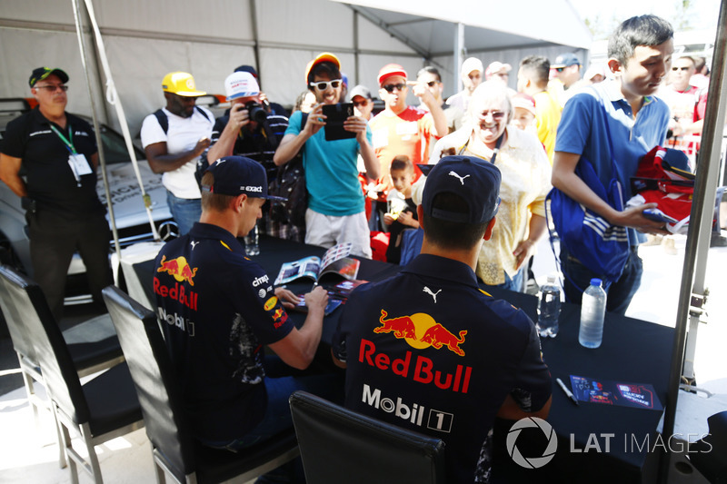 Max Verstappen, Red Bull Racing, Daniel Ricciardo, Red Bull Racing