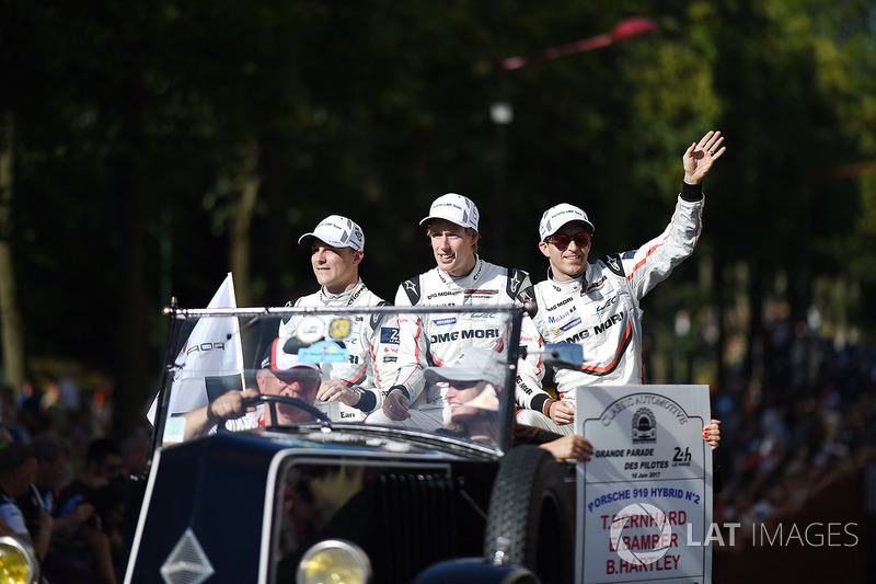Earl Bamber, Brendon Hartley, Timo Bernhard, Porsche Team