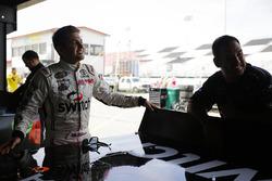 Noah Gragson, Kyle Busch Motorsports Toyota and crewman Brandon Barr