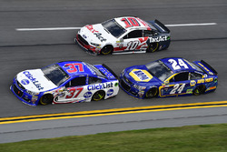 Chris Buescher, JTG Daugherty Racing, Chevrolet; Chase Elliott, Hendrick Motorsports, Chevrolet; Dan