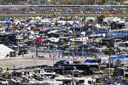 Denny Hamlin, Joe Gibbs Racing Toyota and Jamie McMurray, Chip Ganassi Racing Chevrolet