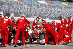 Pit stop, Kimi Raikkonen, Ferrari F60