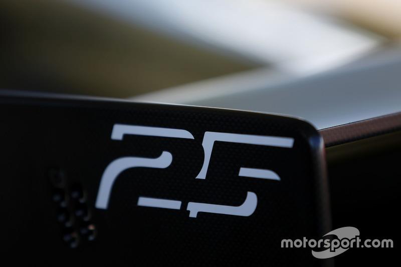 Detail: Ferrari 488 Challenge
