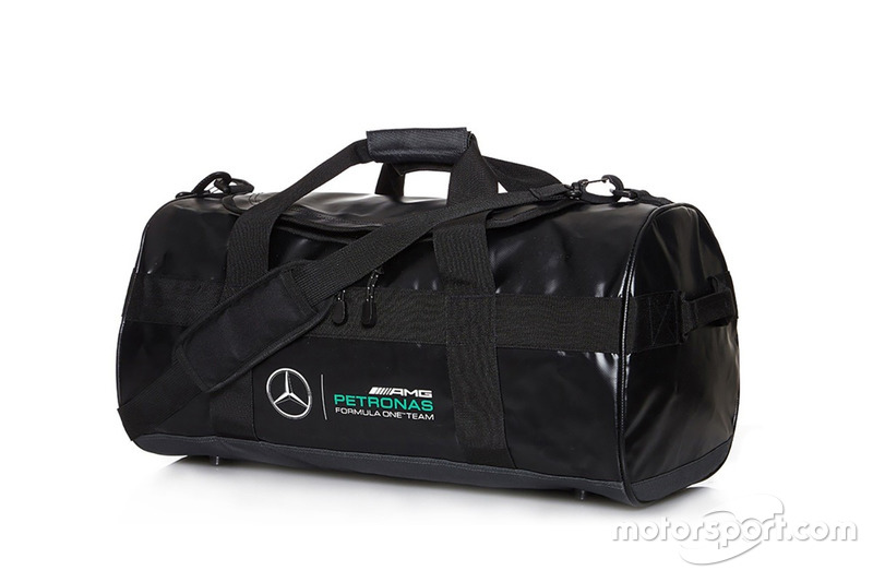 "<a href=""https://www.motorstore.com/eur_fr/catalog/product/view/id/1893/s/mercedes-amg-petronas-2016-sportsbag/category/20/"">Sac de sport Mercedes AMG Petronas F1 Team</a>"