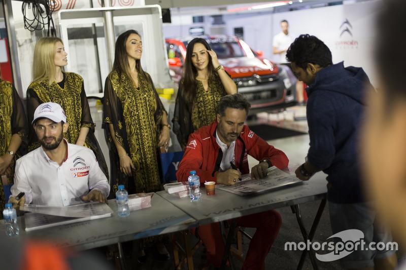 Autograph Session: José María López, Citroën World Touring Car Team, Citroën C-Elysée WTCC and Yvan Muller, Citroën World Touring Car Team, Citroën C-Elysée WTCC