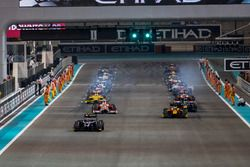 Artem Markelov, RUSSIAN TIME, leads the field on the parade lap