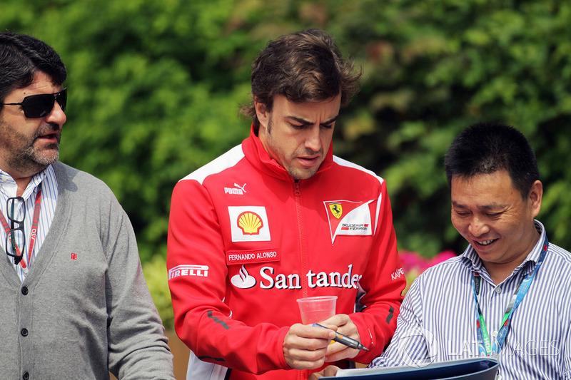 Плачевной оказалась и скорость Ferrari, но Алонсо смог обернуть это в свою пользу – перед квалификацией он сказал, что попадание в Q3 будет чудом, а потом добрался-таки до третьего сегмента и показал там девятое время