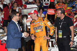 Race winner Kyle Busch, Joe Gibbs Racing, Toyota Camry M&M's Red White & Blue
