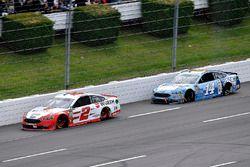 Brad Keselowski, Team Penske, Ford Fusion Wurth and Clint Bowyer, Stewart-Haas Racing, Chevrolet Cam
