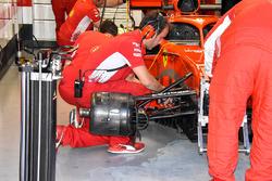 Bargeboard and floor swap on the Ferrari SF71H of Kimi Raikkonen