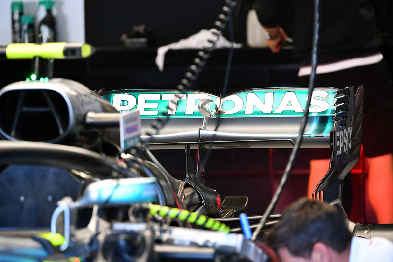 Mercedes-AMG F1 W09 rear wing