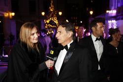 Nelson Piquet speaks to his daughter Julia