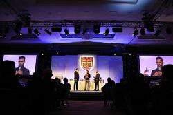 Lewis Hamilton, Jake Humphrey, Derek Warwick