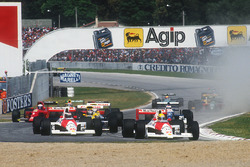 Ayrton Senna, McLaren MP4/5B Honda, devant son coéquipier Gerhard Berger, McLaren MP4/5B Honda