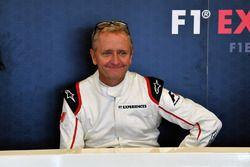 Пассажир двухместного автомобиля F1 Experiences Кевин Шванц
