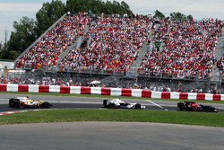 Sebastian Vettel, Scuderia Toro Rosso STR03 ve Robert Kubica, BMW Sauber F1.08 ve Fernando Alonso, Renault F1 Team R28