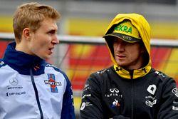 Sergey Sirotkin, Williams and Nico Hulkenberg, Renault Sport F1 Team on the drivers parade