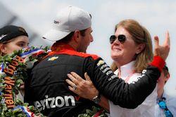 Winner Will Power, Team Penske Chevrolet with Kathy Penske