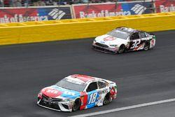 Kyle Busch, Joe Gibbs Racing, Toyota Camry M&M's Red White & Blue, Matt DiBenedetto, Go FAS Racing, Ford Fusion Cosmo Motors
