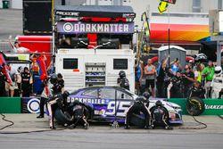 Kasey Kahne, Leavine Family Racing, Chevrolet Camaro Dark Matter presented by Ionomy pit stop