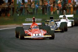1974, Niki Lauda,Ferrari, lider a Ronnie Peterson, Lotus y James Hunt, March