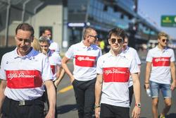 Charles Leclerc, Alfa Romeo Sauber F1 Team fait le tour du circuit à pied