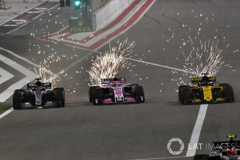 Lewis Hamilton, Mercedes-AMG F1 W09 EQ Power+, Sergio Perez, Force India VJM11 y Nico Hulkenberg, Renault Sport F1 Team R.S. 18