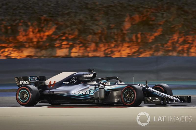 9: Lewis Hamilton, Mercedes-AMG F1 W09, 1'28.220 (*penalti mundur lima grid)