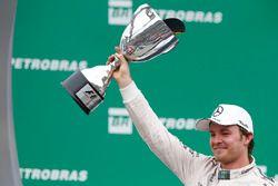 Podium: race winner Nico Rosberg, Mercedes