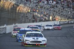 Kevin Harvick, Stewart-Haas Racing Ford, Kyle Larson, Chip Ganassi Racing Chevrolet