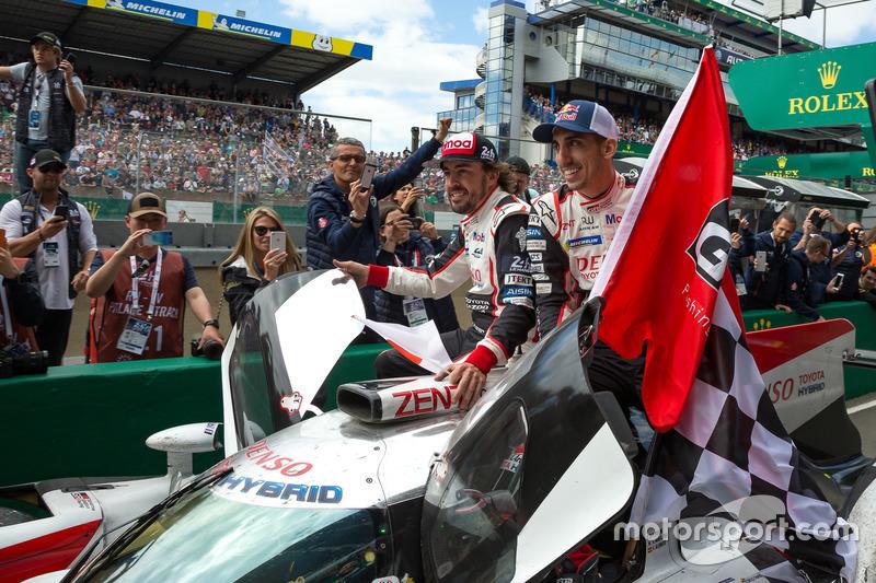 I vincitori #8 Toyota Gazoo Racing Toyota TS050: Sébastien Buemi, Kazuki Nakajima, Fernando Alonso