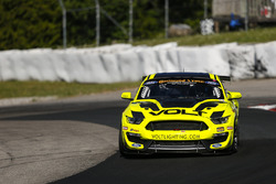 #7 VOLT Racing, Ford Mustang GT4, GS: Alan Brynjolfsson, Trent Hindman