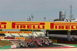 Xavi Fores, Barni Racing Team leads the race start