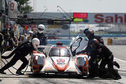 #54 CORE autosport ORECA LMP2, P: Jon Bennett, Colin Braun, Romain Dumas, pit stop