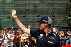 Max Verstappen, Red Bull Racing waves to the crowd