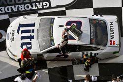 Brad Keselowski, Team Penske Ford Fusion celebrates his win in Victory Lane