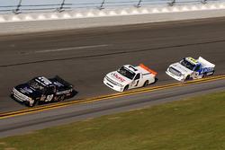Travis Kvapil, Beaver Motorsports Chevrolet Silverado, BJ McLeod, TJL Motorsports Chevrolet Silvera