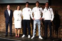 Paddy Lowe, Claire Williams, Lance Stroll, Sergey Sirotkin y Robert Kubica en el escenario en el lanzamiento de la FW41