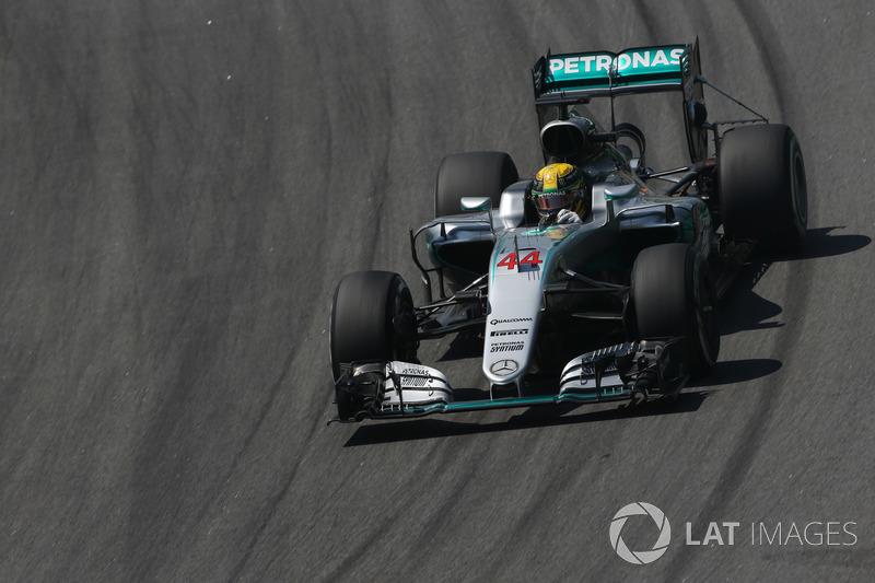 2016. Mercedes F1 W07 Hybrid