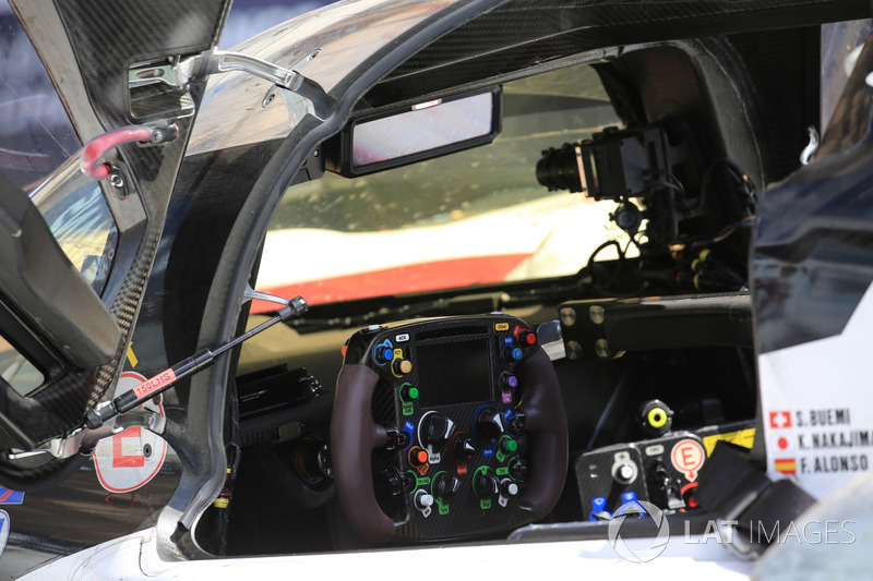 8 Toyota Gazoo Racing Toyota TS050 cockpit detail at 24