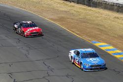 Ryan Blaney, Team Penske, Ford Fusion PPG e Kurt Busch, Stewart-Haas Racing, Ford Fusion Haas Automation