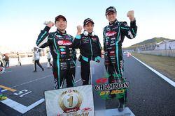 Champions Nobuteru Taniguchi, Tatsuya Kataoka, Goodsmile Racing & Team Ukyo